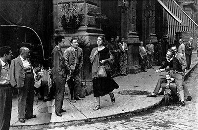 American Girl in Italy/Ruth Orkin